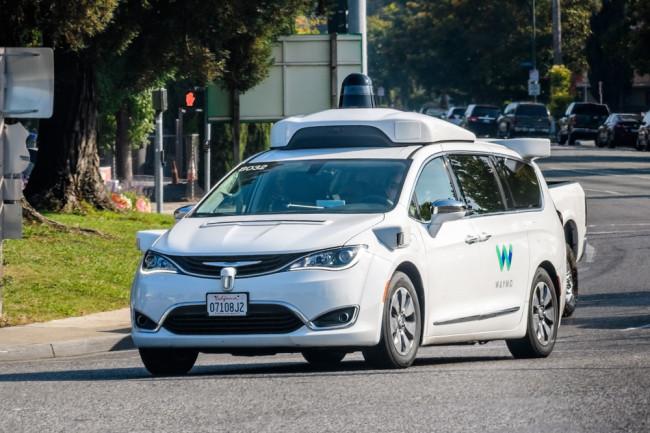 Zelfrijdende auto's hebben nog steeds blinde vlekken. Hoe kunnen experts ze repareren?